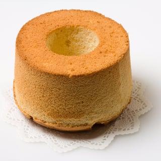 chiffon-cake-picture-id537190681-cake.jpg