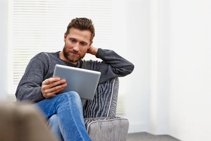 brick and mortar retailer reading best blogs