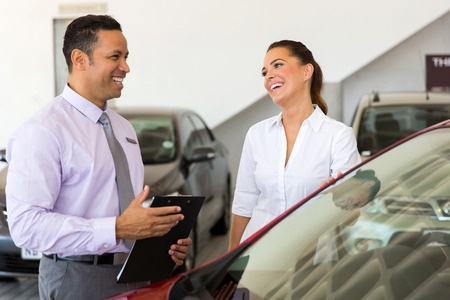 retail sales training tips salesperson how to engage