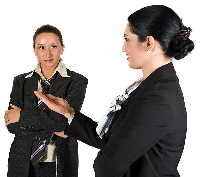 how to use body language non-verbal when selling retail