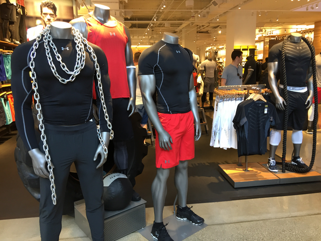 visual merchandising mannequins
