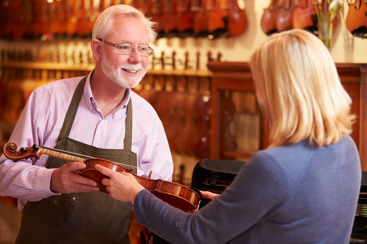 Retail Customer Service: How To Get Away From A Shopper In Your Store And Onto Another