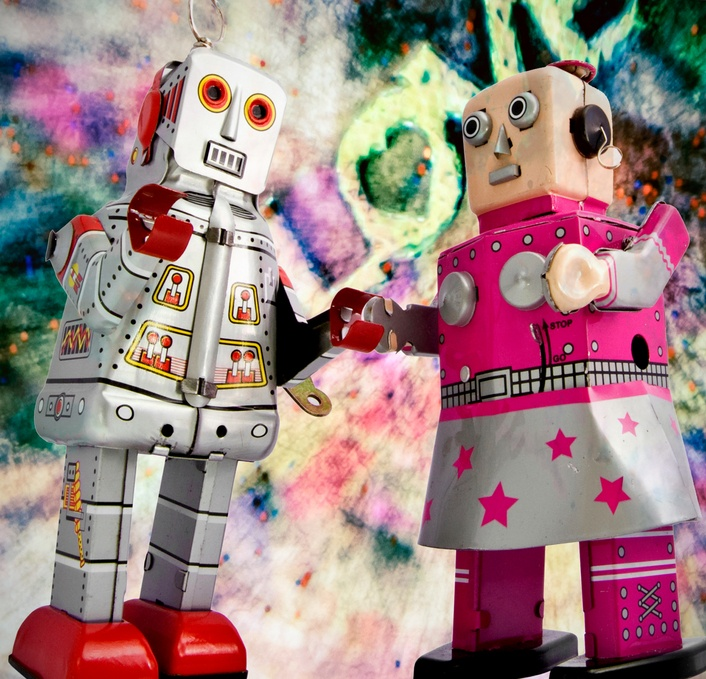 Why Your Customers Stop Talking To Your Retail Employees: Robot Dance