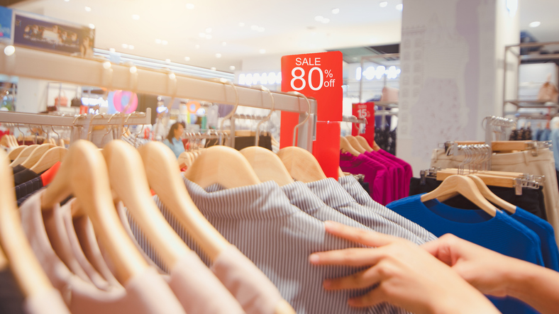 clearance how to retail sales