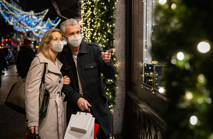 How To Visually Merchandise Your Holiday Store Windows